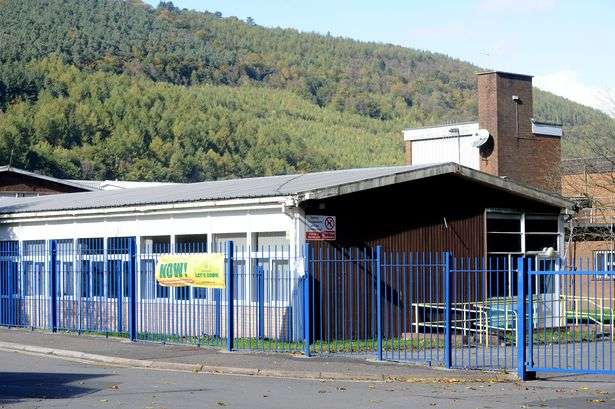 Asbestos removal worker dies in Cwmcarn school