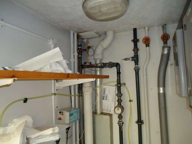 Asbestos cement flue pipes