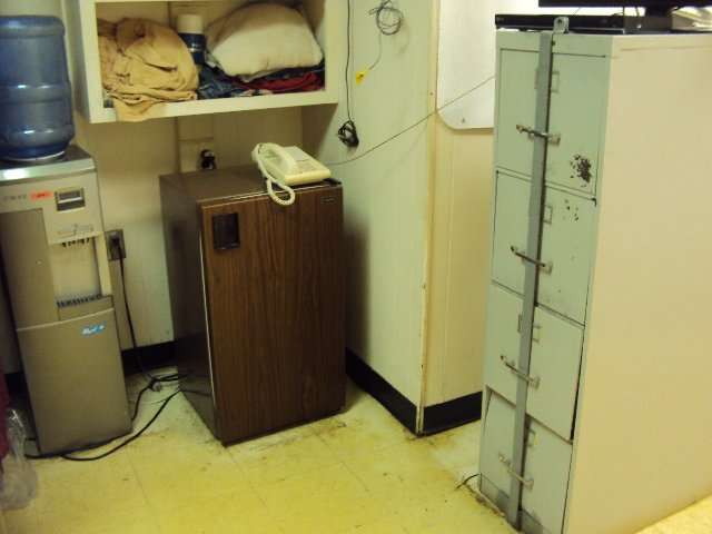 Asbestos floor tiles to office on a ship