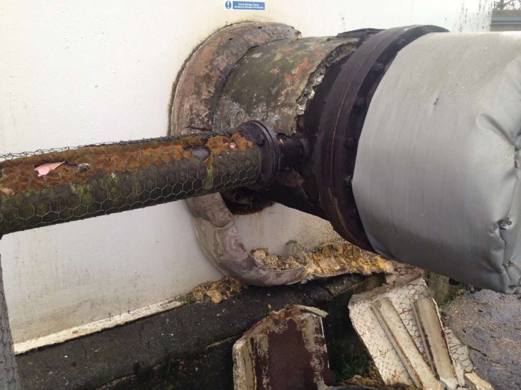 Asbestos insulation to large bore pipe