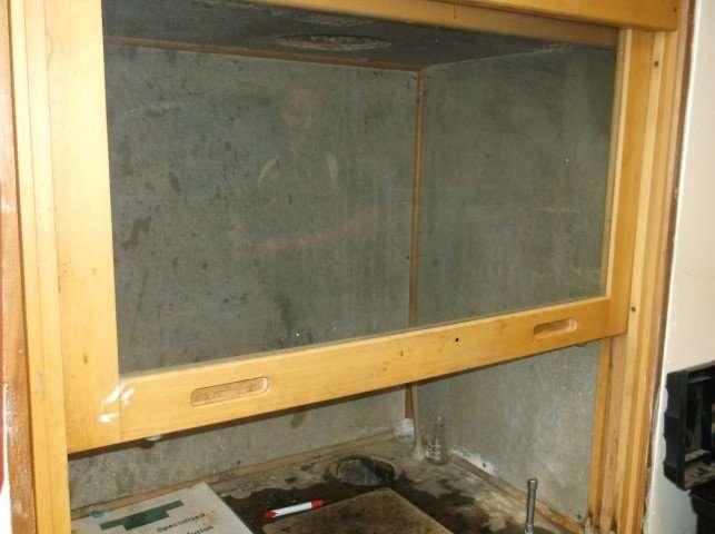 Fume cabinet asbestos lining