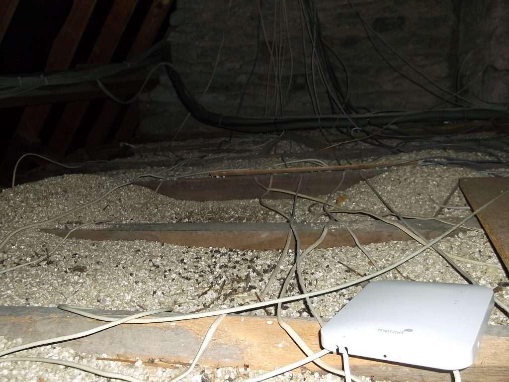 Vermiculite and asbestos insulation in loft