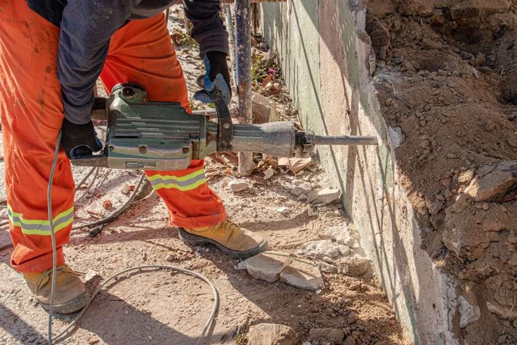worker 6544391 1920